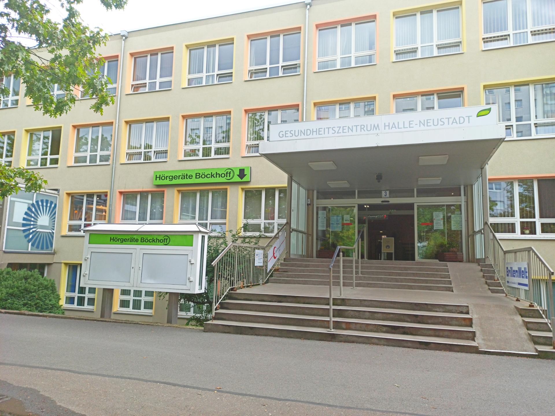 Außenansicht des Gesundheitszentrum in Halle-Neustadt